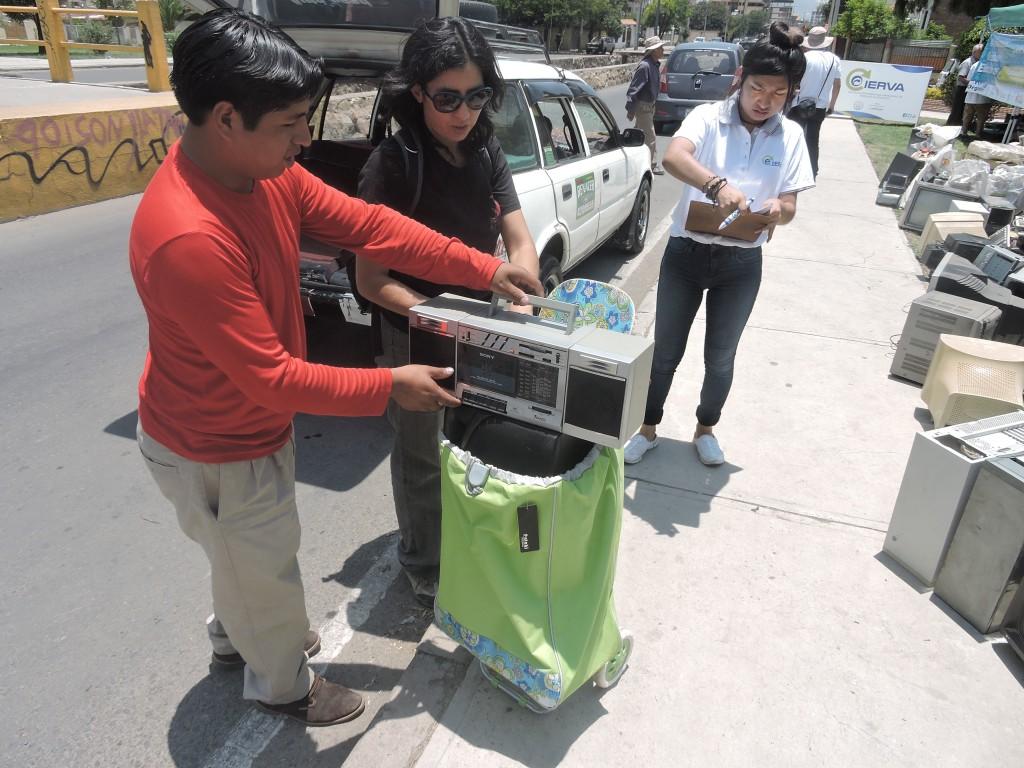En el parque Lincoln es escenario de campañas de recolección de residuos aparatos eléctricos electrónicos promovidas por el programa CIERVA